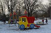 Atria Eesti AS abiga valmib Valga linnapargis laste mänguväljak